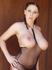 Gianna Michaels exposing her large tits