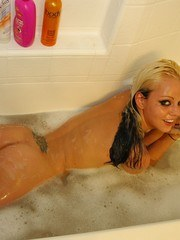 Lindsay Marie naked in the tub