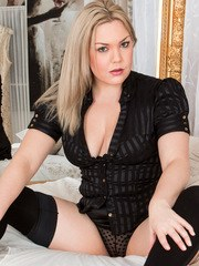 Voluptuous blonde Daisy Woods is the kind of hot housewife you wish you could come