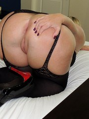 A lot of my Siren Strokers have been asking me to do more traditional cuckold scenes.