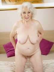 Granny Norma gets her hairy pussy licked by babe Aysha. Aysha helps this lusty granny