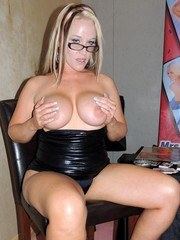 Another wonderful Meet Greet for my Siren Strokers. This time I did two shows at