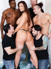 Syren De Mers husband Tommy Pistol comes home to a surprise The insatiable thickly