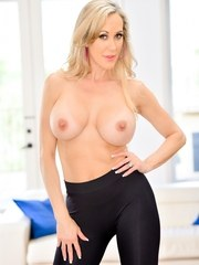 Blonde MILF Brandi Love looks sensational in skintight fitness apparel her sleek
