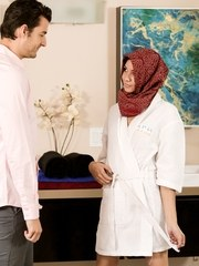 When Jay Smooth visits the spa for a NURU massage his Arabic masseuse Cadey Mercury