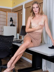 When American businesswoman Mona Wales is done with work she pulls her demure clothes