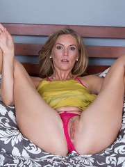 Relaxing after a hard day at work Mona Wales is your fantasy come to life. At 31
