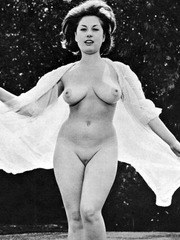 Outdoor nudity 1950s style!