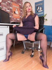 Olga finds porn on her office workstation and gets turned on. Suddenly her boss returns