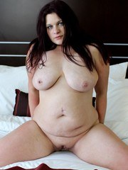 Amber Renee is a THICK local slut that contacted us looking for dicks. She cant get