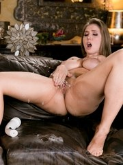 Cadence Lux is having trouble in her love life. Shes been on several dates and has