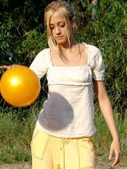 Slim teen toys and stings with her yellow ball feels her like big daddys toy