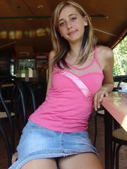 Pantyless debutant serves flashing in a snack bar