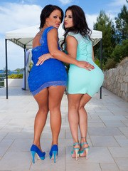 Billie Star and Nia Black came out on a Perfect...