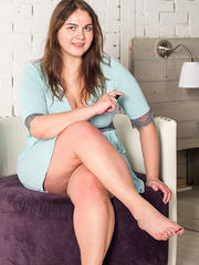 Natasha tickled chained in her bed - photos