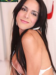 Vivy Aguilerra a beautiful brunette transsexual from Porto Alegre spreads her legs