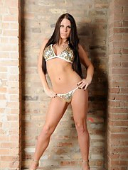 Gorgeous TS sweetheart Ashley George stripping