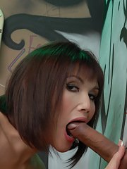 Dirty tgirl Eva exploring the glory hole