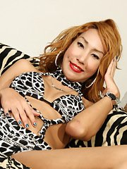 Sweet transsexual Kwang toys amp jerks