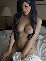 Lovely TS Bailey Jay seducing on the bed