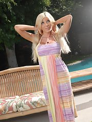 Blonde transsexual sweetheart showing her perfect body
