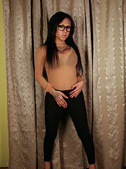 Smoking hot TS Neveah strips and plays