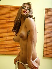 small dick tranny from Argentina Morena del Sol and a dildo