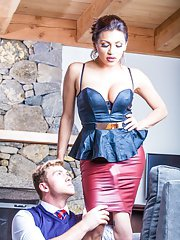 Meet Jessy Dubai a luscious TS latina and charming Connor Maguire in this episode