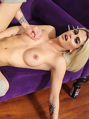 Domino Presley is a Grooby superstar! This gorgeous tgirl has a beautiful face a