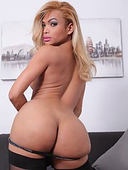 The lovely and beautiful Rayssa Barbie is back once again to do what she loves. Shes