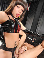 Walleska dominates a misterious masked guy sodomizing him after a lashing punishment.