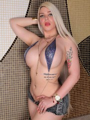 Our blonde bombshell Lexie Beth is back once again. This girl is famous for that